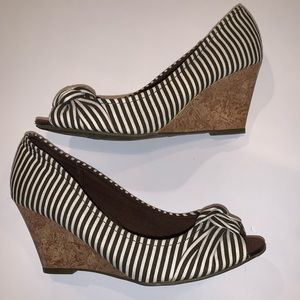 brown and white striped open toe wedges